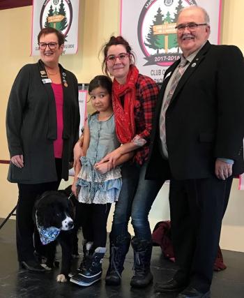 Ariane et son chien Canelle - District Centre du Québec