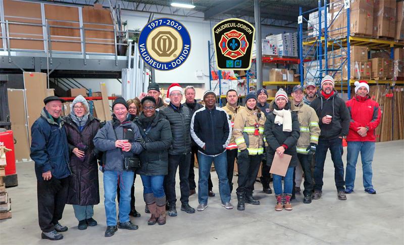 Livraison des paniers de Noël  21 décembre 2019  club optimiste Vaudreuil-Dorion avec le service d'incendie de Vaudreuil-Dorion